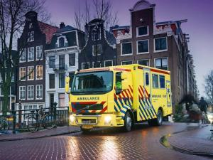 2006 Volvo FL Ambulance